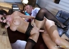 Huge tits porn video featuring Keiran Lee and Jessica Jaymes