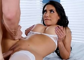 Sexy nurse Lela Star tests her patient erection