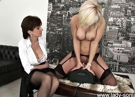 lady-sonia karlie simon on the sybian