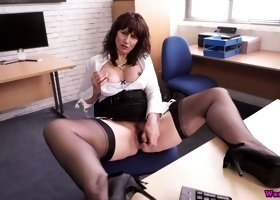 Ardent UK cougar Toni Lace is such a lusty boss who loves masturbation